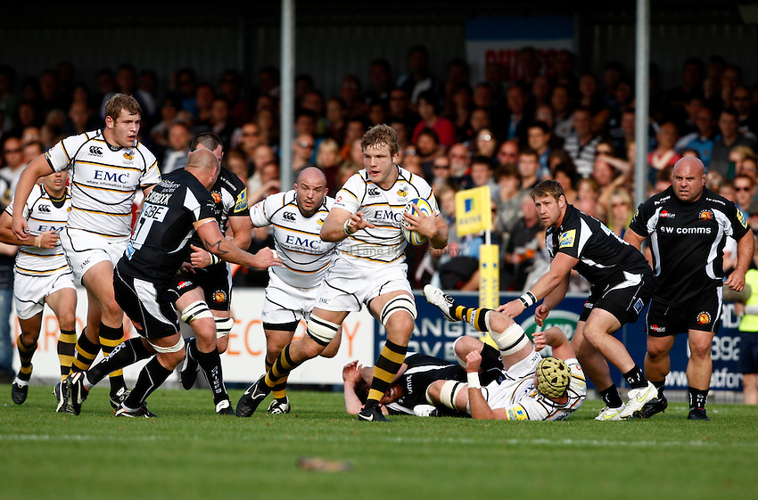 Photo: Richard Lane/Richard Lane Photography. Exeter Chiefs v London Wasps. Aviva Premiership. 25/09/2011. Wasps' Joe Launchbury attacks.