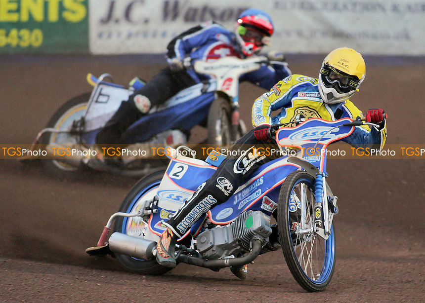Heat 1 - Davey Watt leads Henning Bager - Arena Essex Hammers vs Oxford Cheetahs - Elite League 'A' Fixture - 02/08/06 - (Gavin Ellis 2006)