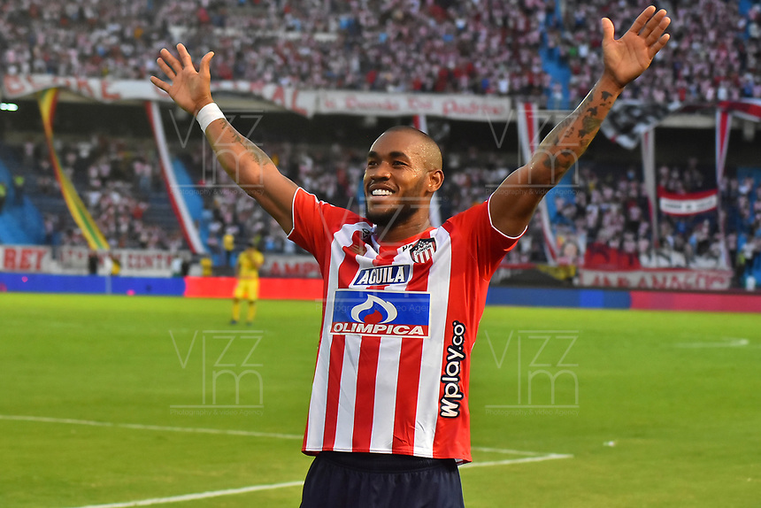 BARRANQUILLA- COLOMBIA, 24-03-2019:Freddy Hinestroza jugador del Atlético Junior celebra después de anotar un gol al Atlético Huila  durante partido por la fecha 11 de La Liga Aguila I 2019 ,jugado en el estadio Metropolitano Roberto Meléndez de la ciudad de Barranquilla / Freddy Hinestroza player of Atletico Junior  celebrates after scorin the goal agaisnt of Atletico Huila  during match for the date 11 as part Aguila League I 2019 between Atletico Junior and  Atletico Huila played at Metropolitano Roberto Melendez  stadium in Barranquilla city.  Photo: VizzorImage /Alfonso Cervantes / Contribuidor