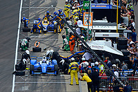Verizon IndyCar Series<br /> Indianapolis 500 Race<br /> Indianapolis Motor Speedway, Indianapolis, IN USA<br /> Sunday 28 May 2017<br /> Scott Dixon, Chip Ganassi Racing Teams Honda and Alexander Rossi, Andretti Herta Autosport with Curb-Agajanian Honda make pit stops.<br /> World Copyright: F. Peirce Williams<br /> LAT Images