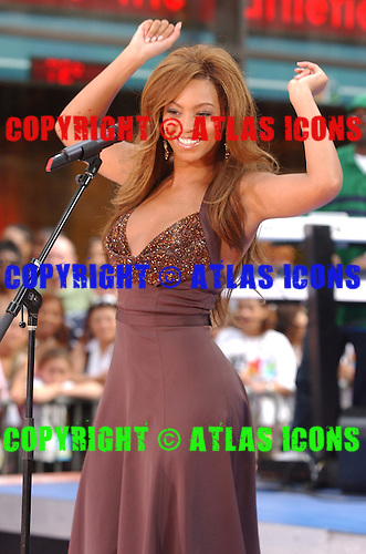 Destiny's Child; Beyoncé Knowles; .Photo Credit: Eddie Malluk/Atlas Icons.com