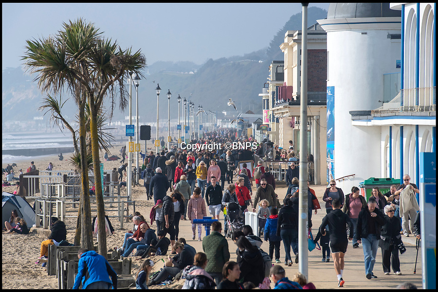 BNPS.co.uk (01202 558833)<br /> Pic: PhilYeomans/BNPS<br /> <br /> Busy promenade...<br /> <br /> First warm weekend of the year had the crowds shaking off the winter blues on Bournemouth seafront this weekend as the sun shone.