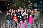 CROWD: large crowd gathered in the square, Tralee on Saturday to catch a glimse of Santa on Saturday...............   Copyright Kerry's Eye 2008