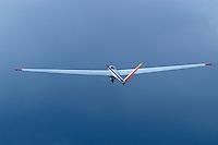 Greif 2: DEUTSCHLAND, 26.08.205 Segelflugzeug  vom Typ Greif 2, V Leitwerk, Metal, Einzelstück,  Deutschland,  Segelflugzeug, Flugzeug, fliegen, fliegt, fliegend, Flug, Segelflug, Segelfliegen, Sport, Sportart, Luftsport, Luftsportgeraet, Geraet, Fluggeraet, Fluegelspannweite, Fluegel, lang, lange, Spannweite, Meter,  Gleitflug, gleiten, gleitet, Freizeit, Hobby,  Mann, Konstukteur  Otto Funke fuer  Heinkel..