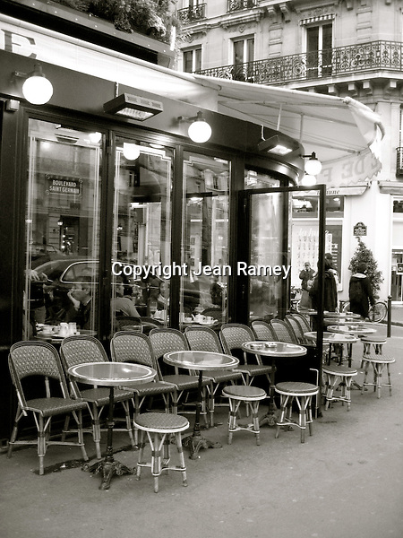 Parisian Cafe (B&W)