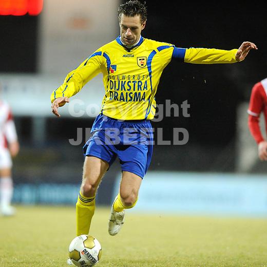 EMMEN - Voetbal, FC Emmen - SC Cambuur, Jupiler League, Unive stadion, seizoen 2011-2012, 24-02-2012 SC Cambuur speler Sandor Van Der Heide.