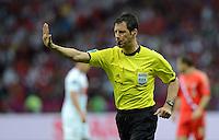 FUSSBALL  EUROPAMEISTERSCHAFT 2012   VORRUNDE Polen - Russland             12.06.2012 Schiedsrichter Wolfgang Stark