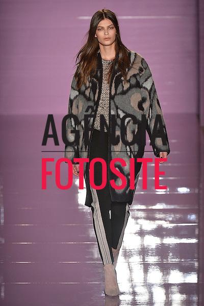 Milao, Italia &ndash; 02/2014 - Desfile de Les Copains durante a Semana de moda de Milao - Inverno 2014. <br /> Foto: FOTOSITE