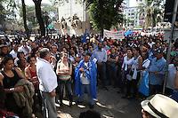 """SAO PAULO, SP, 03/09/2012, MANIFESTAÇÃO SEM TETO.  Um grupo de """"Sem Teto"""" fez uma manifestação na Praça Princesa Isabel no centro de São Paulo, eles reinvidicam predios do INSS para habitação. Luiz Guarnieri/ Brazil Photo Press."""