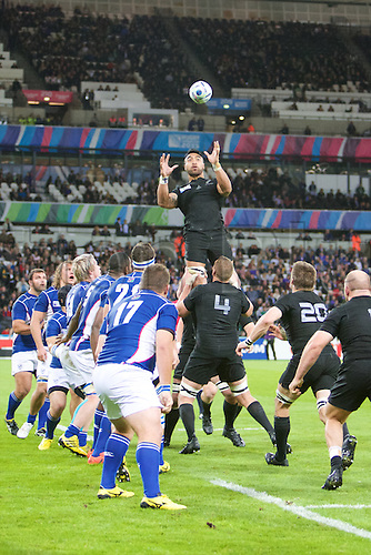 24.09.2015. Olympic Stadium, London, England. Rugby World Cup. New Zealand versus Namibia. New Zealand win a line out.