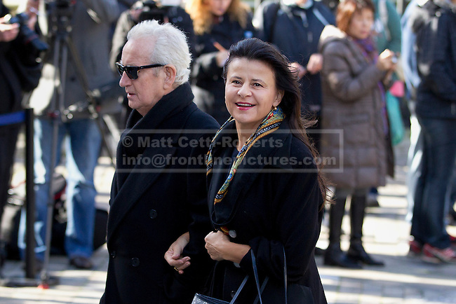 12/10/2012. LONDON, UK. Actress Tracey Ullman is seen arriving at the memorial service for hairdresser Vidal Sassoon at St Paul's Cathedral in London today (12/10/12) . Photo credit: Matt Cetti-Roberts