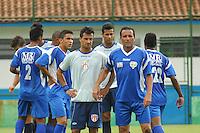 BARUERI, SP - 18.01.2012 – JOGO TREINO GREMIO BARUERI X GREMIO OSASCO – Tiago Gentil do Barueri sendo marcado por Rogerio do Osasco. Nesta quarta-feira (18) a tarde as equipe do Gremio Barueri e Gremio Osasco participaram de um jogo treino, no Centro de Treinamento da Vila Porto em Barueri, na Grande SP. O jogo acabou empatado em 1 a 1, os gols foram marcados por Marcelinho (Barueri) e Luciano (Osasco). (Foto: Renato Silvestre/NewsFree)