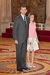 "King Felipe VI of Spain and Queen Letizia of Spain receive the ""BECAS EUROPA"" participants from the FRANCISCO DE VITORIA University during an audience at Palacio Real in Madrid, Spain. July 17, 2013. (ALTERPHOTOS/Victor Blanco)"
