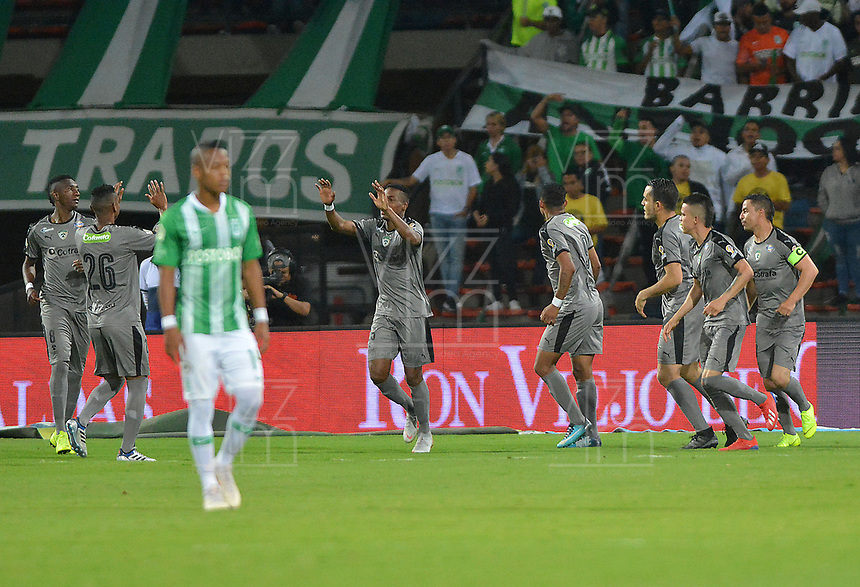 MEDELLIN - COLOMBIA, 17-02-2019: Carlos Peralta (C) de Equidad celebra después el primer gol de su equipo durante partido por la fecha 5 de la Liga Águila I 2019 entre Atlético Nacional y La Equidad jugado en el estadio Atanasio Girardot de la ciudad de Medellín. / Carlos Peralta (C) of Equidad celebrates after scoring the first goal of his team during match for the date 5 of the Liga Aguila I 2019 between Atletico Nacional and La Equidad played at the Atanasio Girardot Stadium in Medellin city. Photo: VizzorImage / Leon Monsalve / Cont