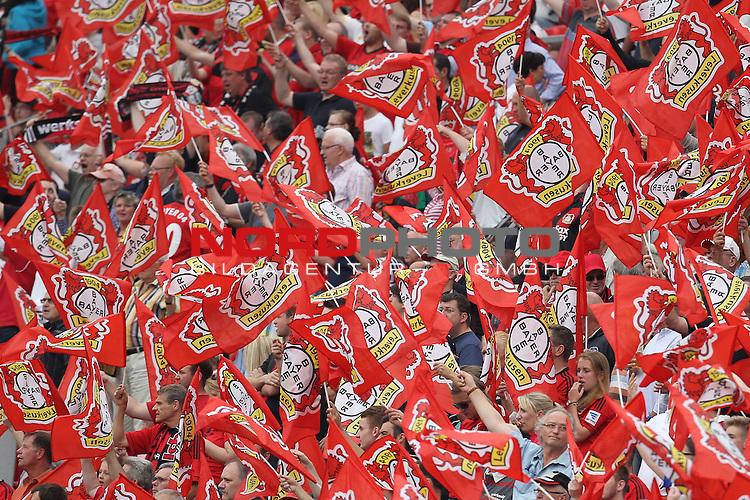 10.08.2013, BayArena, Leverkusen, GER, 1. FBL, Bayer 04 Leverkusen vs SC Freiburg, im Bild<br /> Viele Fahnen wurden vor dem Spiel verteilt in der BayArena<br /> <br /> Foto &copy; nph / Mueller