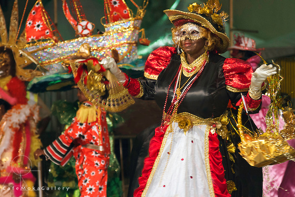 Traditional mas - Dame Lorraine performs in National Colours ( Govt Bringer of Gold - Annette Griffith) ?