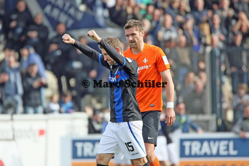 Alexander Huber (FSV) jubelt beim Tor von Zlatko Dedic (FSV) zum 1:0, Ronny Koenig (SV98) leicht angefressen - FSV Frankfurt vs. SV Darmstadt 98, Frankfurter Volksbank Stadion