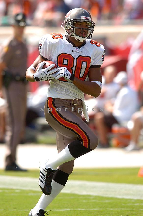 MICHAEL CLAYTON, of the Tampa Bay Buccaneers, in action against the Cincinnati Bengals on October 15, 2006 in Tampa Bay, FL...Buccaneers win 14-13..Chris Bernacchi / SportPics