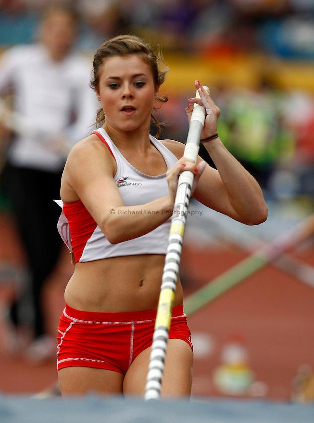 Photo: Richard Lane/Richard Lane Photography..Aviva World Trials & UK Championships athletics. 11/07/2009. Abigail Haywood in the women's pole vault.