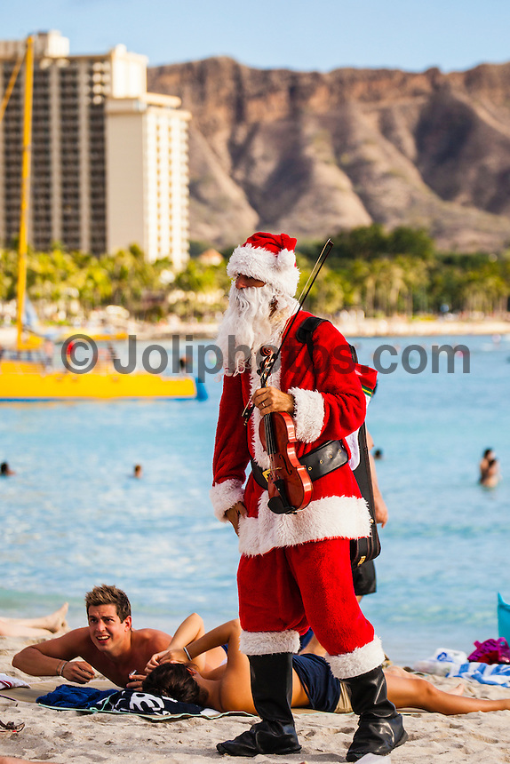 HONOLULU, Waikiki, Oahu. - (Friday, December 21, 2012) --The tourist spot of Waikiki was busy today with Christmas holiday crowds. Photo: joliphotos.com