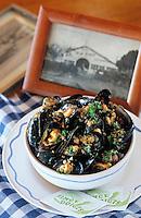 """Europe/France/Aquitaine/33/Gironde/Bassin d'Arcachon/Le Cap Ferret: Moules au jambon du restaurant """"Chez Hortense"""""""