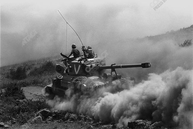 Israeli tanks, heading towards the Suez Canal in Egypt, Six-Day War, June 1967