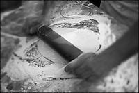 Europe/France/Provence-Alpes-Côte d'Azur/13/Bouches-du-Rhône/Marseille:Préparation de la pizza chez  Mme Rose au Restaurant Chez Vincent, 25, rue Glandevès