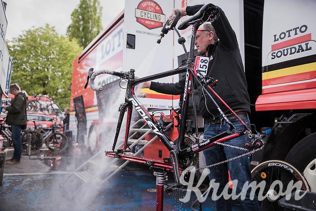 post-Spring Classics bike cleaning<br /> <br /> 103rd Li&egrave;ge-Bastogne-Li&egrave;ge 2017 (1.UWT)<br /> One Day Race: Li&egrave;ge &rsaquo; Ans (258km)