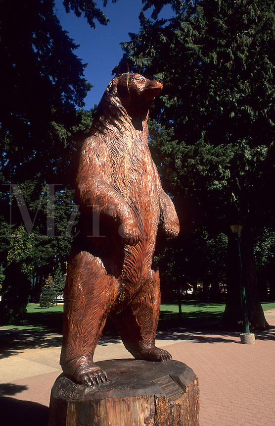 Bear wood carving in town of Hope, British Columbia, Canada