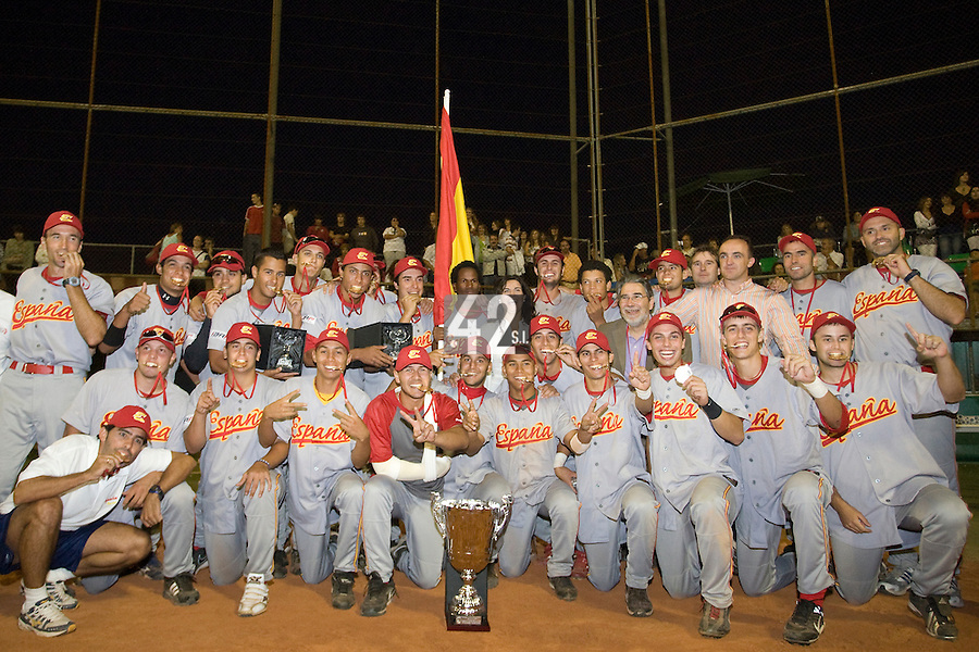 BASEBALL - EUROPEAN UNDER -21 CHAMPIONSHIP - PAMPELUNE (ESP) - 03 TO 07/09/2008 - PHOTO : CHRISTOPHE ELISE .CLOSING CEREMONY -  TEAM SPAIN CELEBRATION