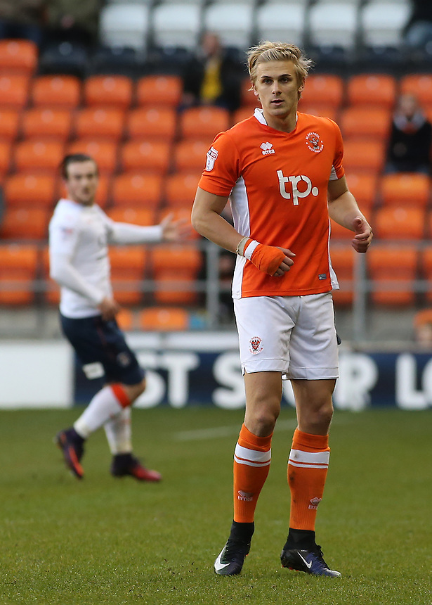 Blackpool's Brad Potts in action during todays match  <br /> <br /> Photographer David Shipman/CameraSport<br /> <br /> The EFL Sky Bet League Two - Blackpool v Luton Town - Saturday 17th December 2016 - Bloomfield Road - Blackpool<br /> <br /> World Copyright &copy; 2016 CameraSport. All rights reserved. 43 Linden Ave. Countesthorpe. Leicester. England. LE8 5PG - Tel: +44 (0) 116 277 4147 - admin@camerasport.com - www.camerasport.com