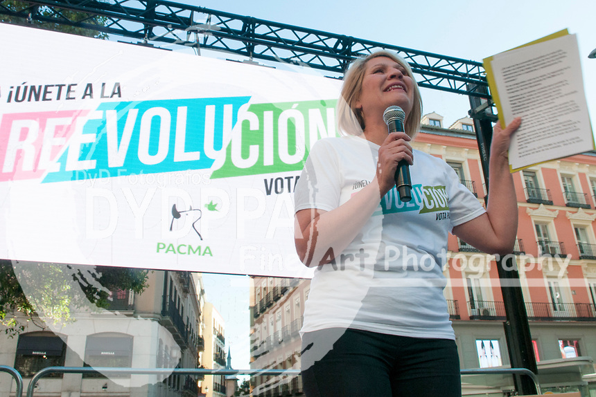 The closing of the campaign of the PACMA party, on Sunday the 28th are the general elections, at Plaza de Callao in Madrid on April 26, 2019.<br /> Silvia Barquero, president of Pacma