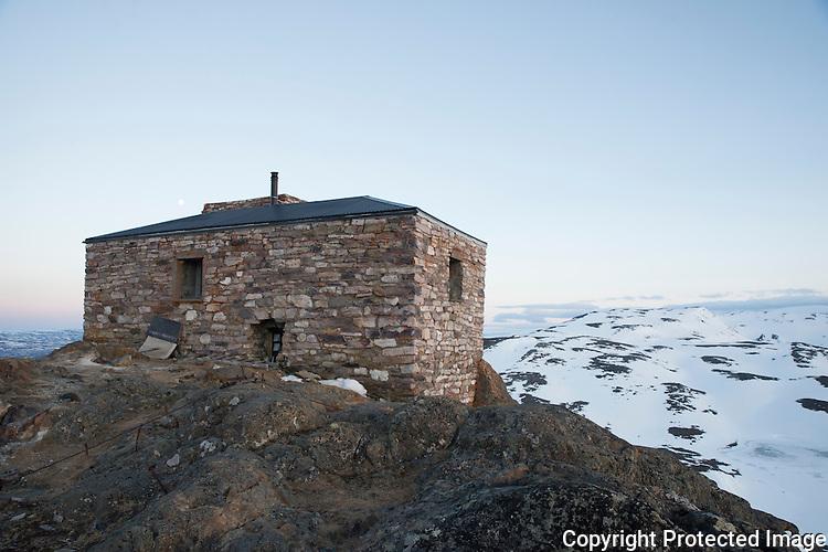Det restaurerte nordlysobservatoriet på fjelltoppen Haldde ved Alta. ---- The norhtern lights observatory on Haldde, outside Alta.