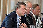 SOESTDUINEN - NGF directeur Jeroen Stevens (l) . Algemene Ledenvergadering van de NGF (Nederlandse Golf Federatie) met bestuurswisseling. COPYRIGHT KOEN SUYK