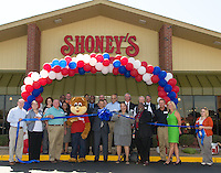 Shoney's West Ribbon Cutting