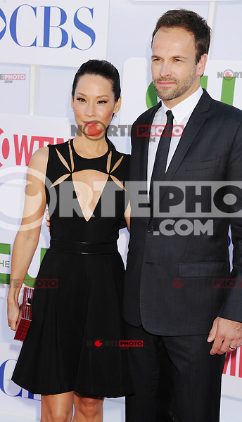 BEVERLY HILLS, CA - JULY 29: Lucy Liu and Jonny Lee Miller  arrive at the CBS, Showtime and The CW 2012 TCA summer tour party at 9900 Wilshire Blvd on July 29, 2012 in Beverly Hills, California. /NortePhoto.com<br /> <br />  **CREDITO*OBLIGATORIO** *No*Venta*A*Terceros*<br /> *No*Sale*So*third* ***No*Se*Permite*Hacer Archivo***No*Sale*So*third*