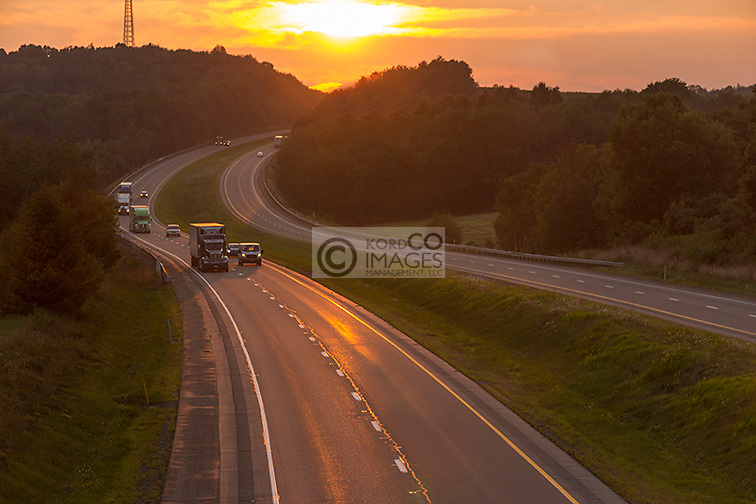 AUTOMOTIVE TRAFFIC INTERSTATE 80 JEFFERSON COUNTY PENNSYLVANIA USA