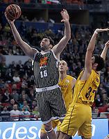 Herbalife Gran Canaria's Javier Beiran (r) and Uxue Bilbao Basket's Alex Mumbru during Spanish Basketball King's Cup match.February 07,2013. (ALTERPHOTOS/Acero)