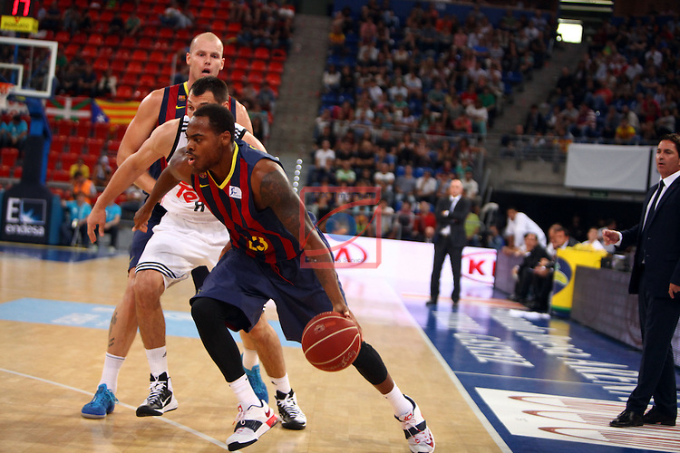 XI Supercopa ENDESA-Final.<br /> R. Madrid vs FC Barcelona: 99-78.<br /> Lampe, Maciulis &amp; Thomas.