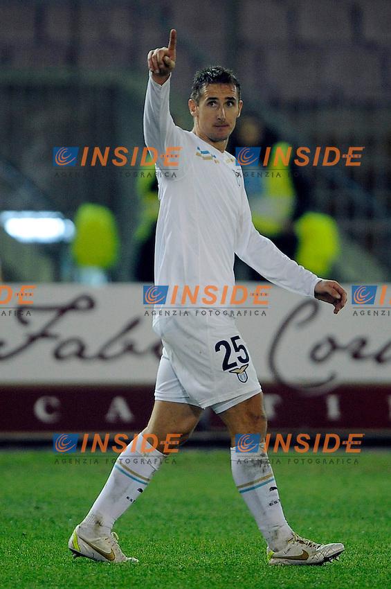 """Miroslav Klose Lazio Esultanza.Celebration.Lecce 10/12/2011 Stadio """"Via del MAre"""".Football Calcio Serie A 2011/2012.Lecce Vs Lazio.Foto Insidefoto ."""