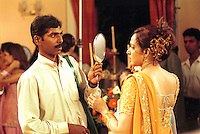 INDIEN Bombay , Bollywood Filmproduktion Baghban mit Superstar Hema Malini in einem Filmstudio in der Filmcity Goregoan / INDIA Mumbai Bombay, Bollywood, film set for Baghban in studio in filmcity Goregoan with movie star Hema Malini