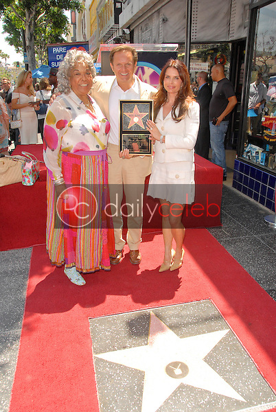 Della Reese, Mark Burnette and Roma Downey<br /> at the Hollywood Walk of Fame induction ceremoney for Mark Burnette, Hollywood, CA 07-08-09<br /> David Edwards/Dailyceleb.com 818-249-4998