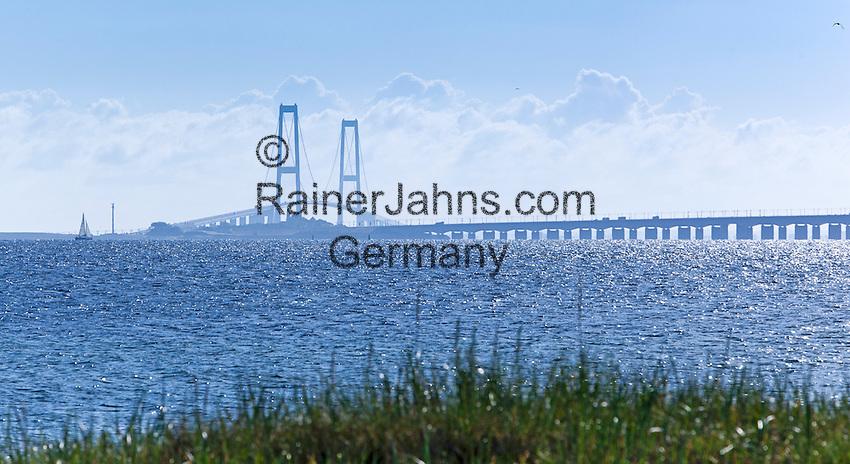 Denmark, Funen, Nyborg: The Great Belt Bridge | Daenemark, Fuenen, Nyborg: Storebæltsbroen - Die Bruecke ueber den Großen Belt verbindet Fuenen und Seeland