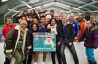 20-01-13, Tennis, Rotterdam, Wildcard for qualification ABNAMROWTT,  Fabian van der Lans wint wildcard en poseert met zijn fans.