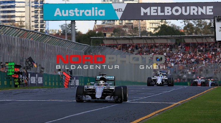 20.03.2016. Albert-Park-Circuit, Melbourne,  AUS, F1, Formula 1 Rolex Australien Grand Prix,  Race01 im Bild   <br /> Lewis Hamilton (GB#44), Mercedes AMG Petronas Formula OneFelipe Massa (BRA#19), Williams Martini Racing Team,<br /> <br /> <br /> Foto &copy; nordphoto /  Bratic