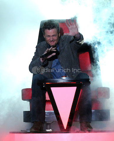 LOS ANGELES, CA - MARCH 12: Host Blake Shelton onstage during Nickelodeon's 2016 Kids Choice Awards at The Forum on March 12, 2016 in Inglewood, California. Credit: PGFM/MediaPunch