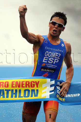 10.04.2011 Dextro Energy Triathlon from Sydney Australia