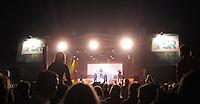 1050 Jahre Eilenburg. Stadtfest. Konzert auf der PSR-Buehne. Die Berliner Band Culcha Candela startet senkrecht! Das Eilenburger Publikum geht mit. im Bild: Die PSR-Buehne mit Culcha Candela. Foto: Alexander Bley