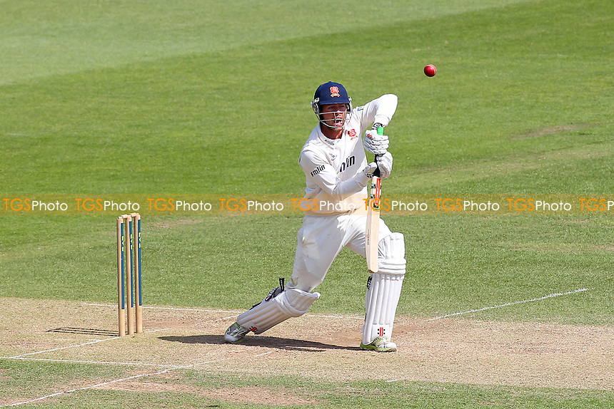 Ben Foakes in batting action for Essex - Hampshire CCC vs Essex CCC - LV County Championship Division Two Cricket at the Ageas Bowl, West End, Southampton - 17/06/14 - MANDATORY CREDIT: Gavin Ellis/TGSPHOTO - Self billing applies where appropriate - 0845 094 6026 - contact@tgsphoto.co.uk - NO UNPAID USE
