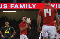 Wales' Gareth Davies shouts instructions to team mate George North<br /> <br /> Photographer Ian Cook/CameraSport<br /> <br /> Under Armour Series Autumn Internationals - Wales v South Africa - Saturday 24th November 2018 - Principality Stadium - Cardiff<br /> <br /> World Copyright &copy; 2018 CameraSport. All rights reserved. 43 Linden Ave. Countesthorpe. Leicester. England. LE8 5PG - Tel: +44 (0) 116 277 4147 - admin@camerasport.com - www.camerasport.com